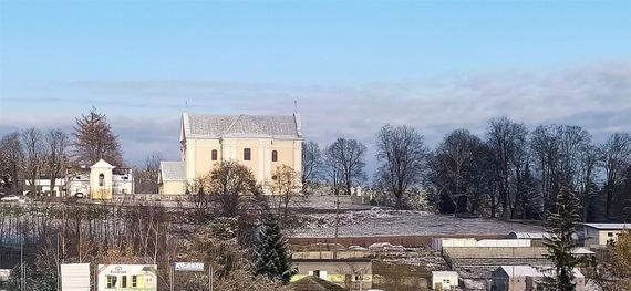 Spacerem po Górze Puławskiej i okolicach z widokiem na gołębski kościół