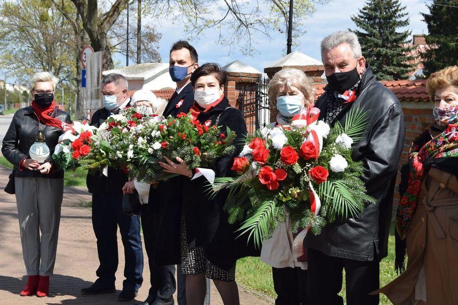 Uczestnicy uroczystości w Gołębiu