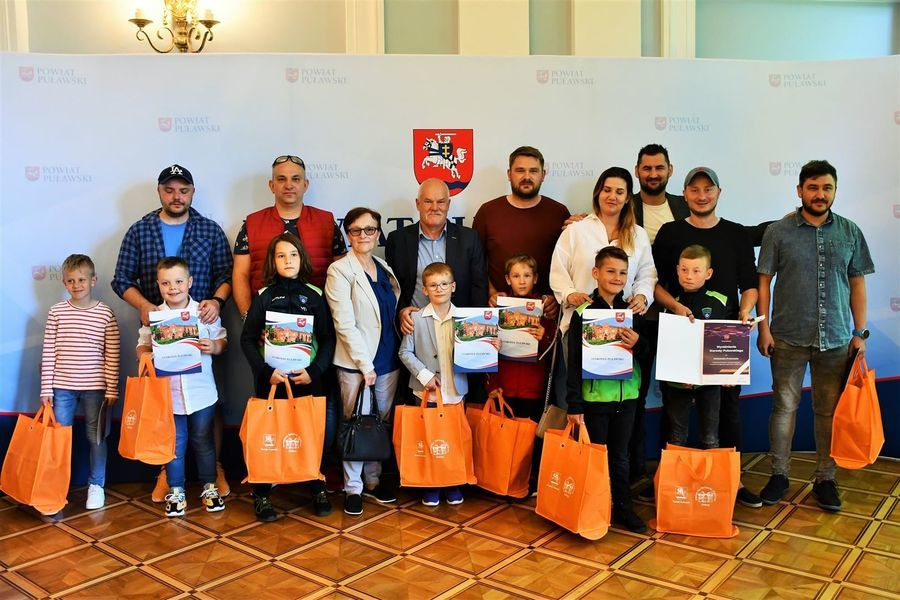 Rodzice i zawodnicy Akademii Piłkarskiej Drużyna Marzeń