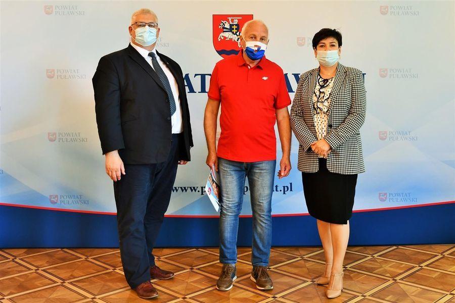 Starosta, członek zarządu i trener KS Wisła Puławy T. Murat