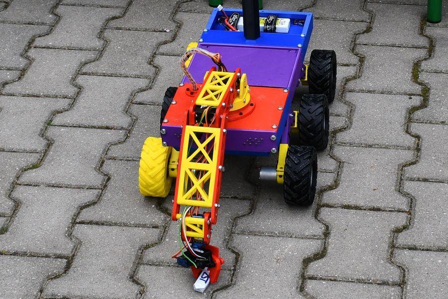 Pojazd zbudowany przez uczniów ZST