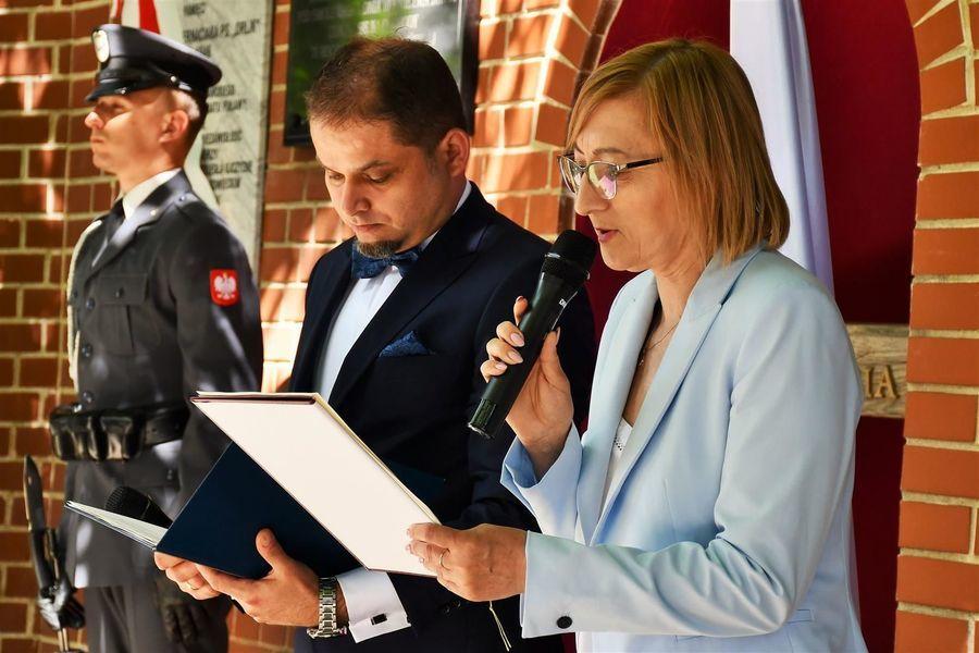 Prowadzący uroczystość M. Lenartowicz i M. Chrzanowski