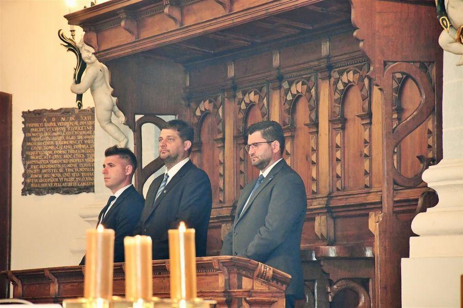 Msza święta w kościele farnym w Kazimierzu Dolnym