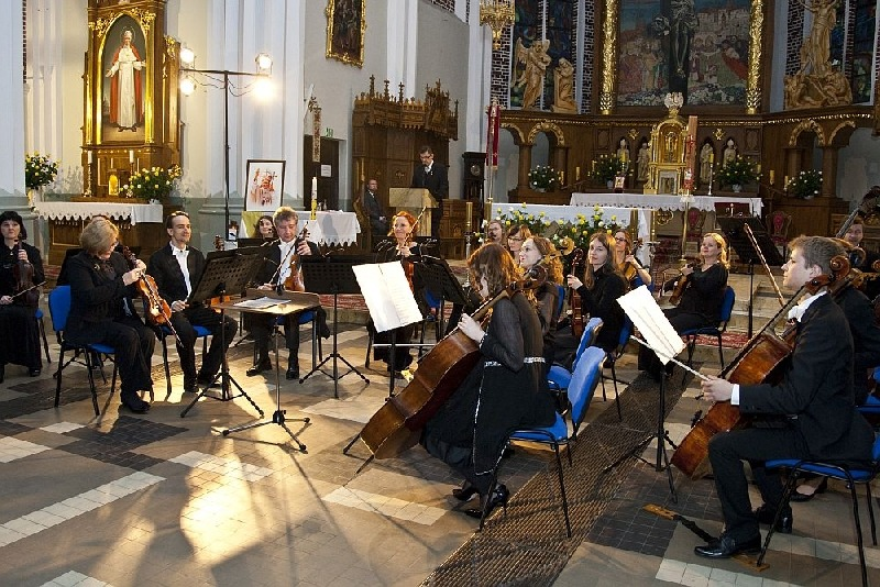 Nadzwyczajny Koncert Warszawskiej Orkiestry Symfonicznej SONATA w Rykach