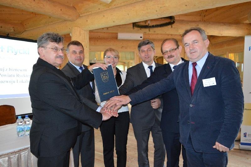 """Konferencja międzynarodowa """" Marketing gospodarczy Powiatu Ryckiego"""""""