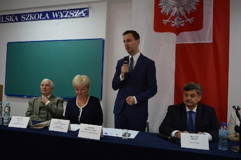 Minister Pracy i Polityki Społecznej spotkał się z mieszkańcami powiatu ryckiego