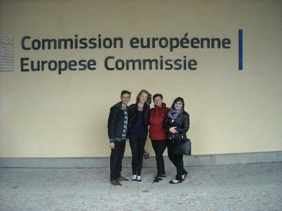 """Finaliści konkursu """"Moje europejskie wyzwanie"""" w Brukseli"""