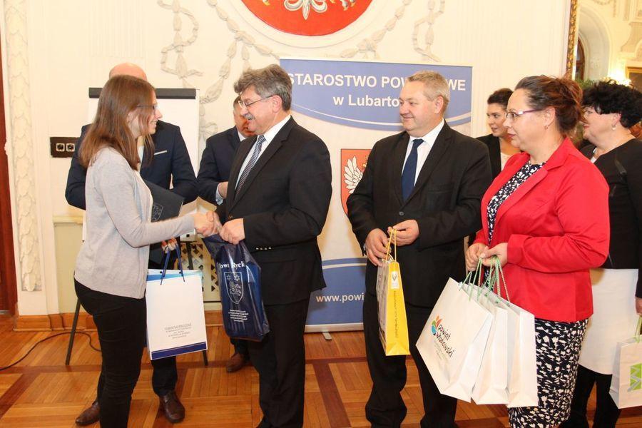 Uczennica I LO w Rykach laureatką IV Regionalnej Olimpiady Wiedzy o Zdrowiu Psychicznym