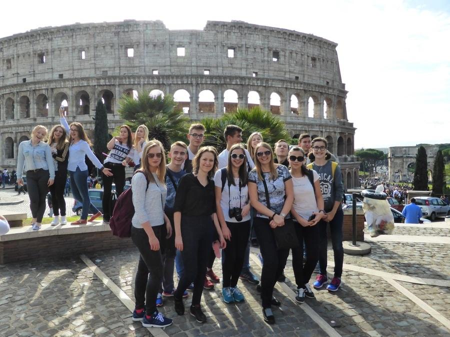 """Rzymskie wakacje uczniów """"ryckiego ogólniaka"""" – wycieczka do Włoch 21-27.10.2016r."""