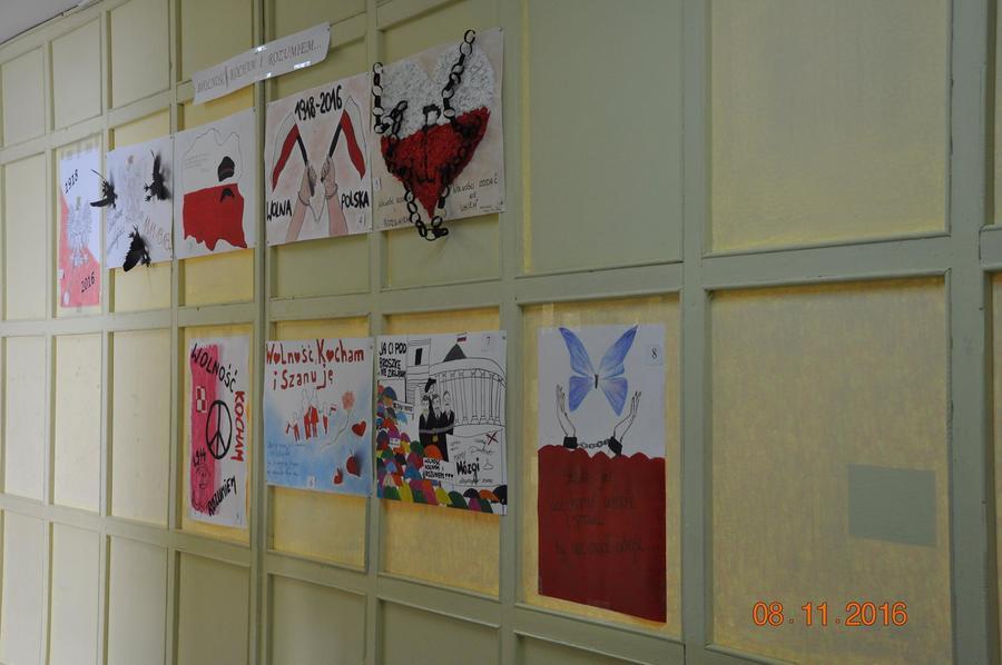 """""""Świętujemy niepodległość"""" w ZSZ nr 2 w Dęblinie"""