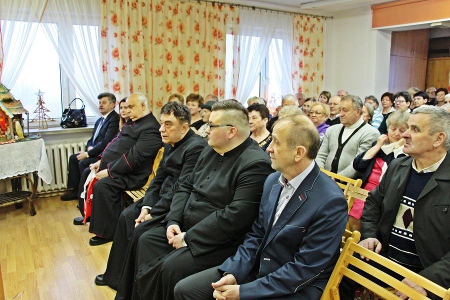 Poświęcenie samochodu dla DPS w Leopoldowie