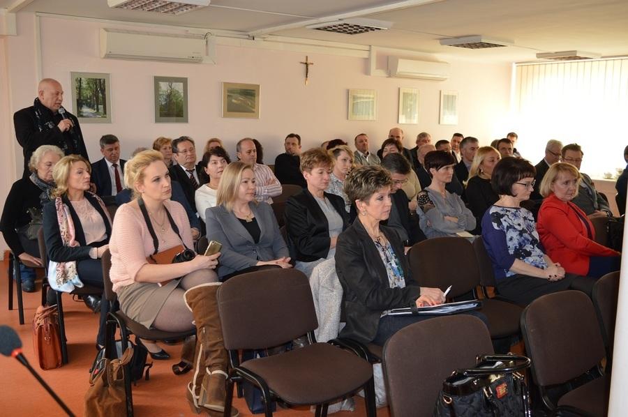 Debata na temat służby zdrowia w powiecie ryckim