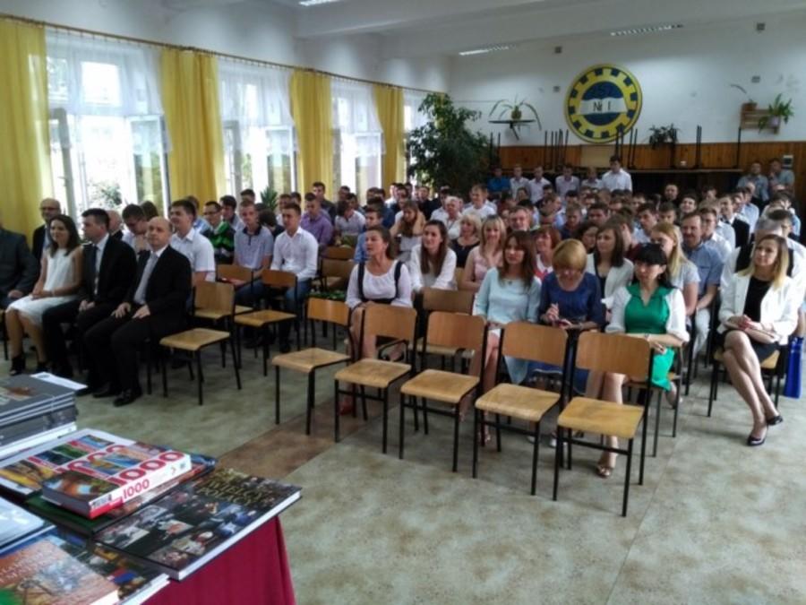 Uroczyste zakończenie roku szkolnego 2016/2017 w ZSZ nr 1 w Dęblinie