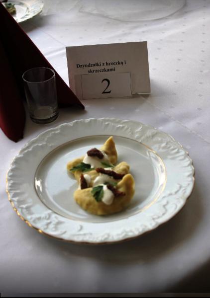 """Kucharz na medal 2017 – kulinarna rywalizacja w ZSZ nr 2 Tegoroczne hasło: """"Każdą kaszę chętnie zjem"""