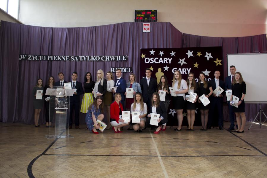 <p>Zakończenie roku szkolnego - maturzyści ZSZ 2 Dęblin</p>