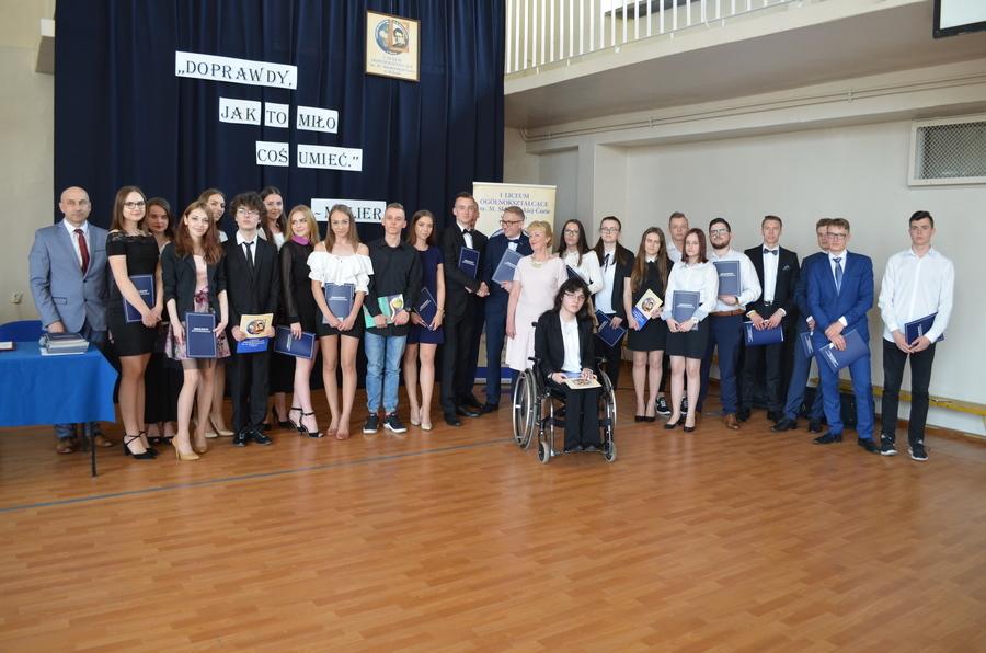 <p>Zakończenie roku szkolnego - maturzyści I LO Ryki</p>