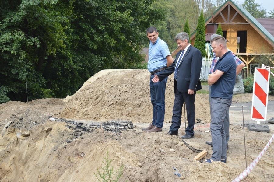 Przebudowa dróg dojazdowych do gruntów rolnych w miejscowościach Podlodów i Podlodówka