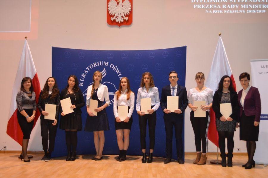 Prezes Rady Ministrów przyznał stypendia narok szkolny 2018/2019