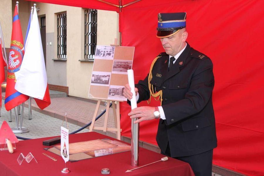 Podpisanie aktu erekcyjnego nowej Komendy Powiatowej PSP w Rykach