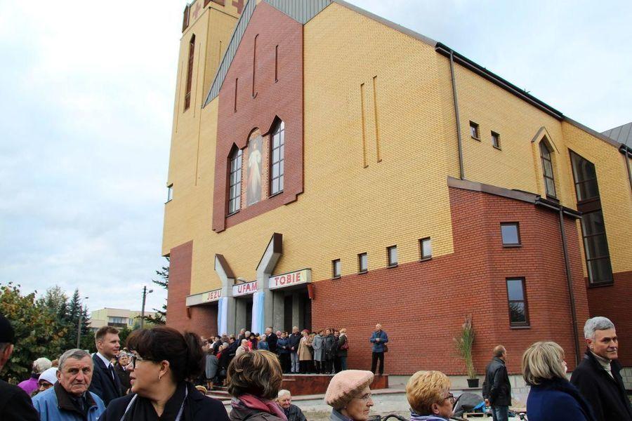 Konsekracja kościoła w dęblińskiej parafii