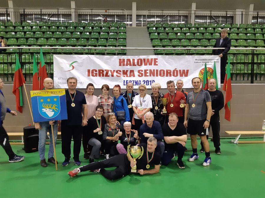 Drużyna z powiatu ryckiego zwycięzcą Halowych Igrzysk LZS Seniorów