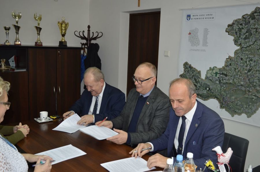 Podpisanie umowy na dostawę dwóch ultrasonografów dla Szpitala Powiatowego w Rykach