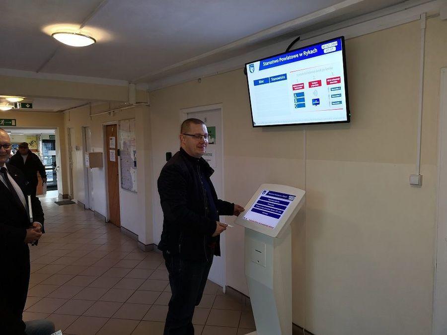 Elektroniczna rejestracja kolejki do Wydziału Komunikacji w Starostwie Powiatowym w Rykach