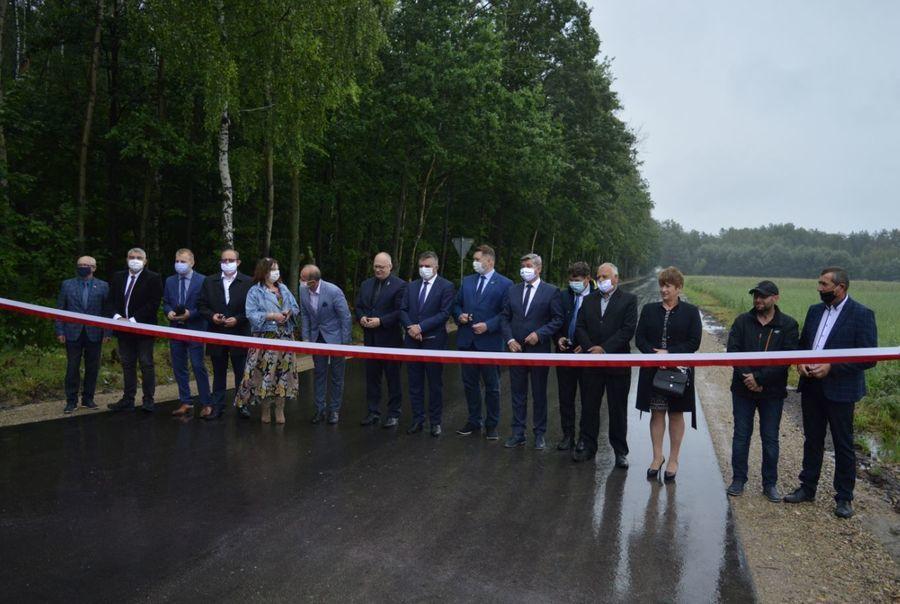Uroczysty odbiór nowo przebudowanych dróg powiatowych o nr 1425L oraz 1426L