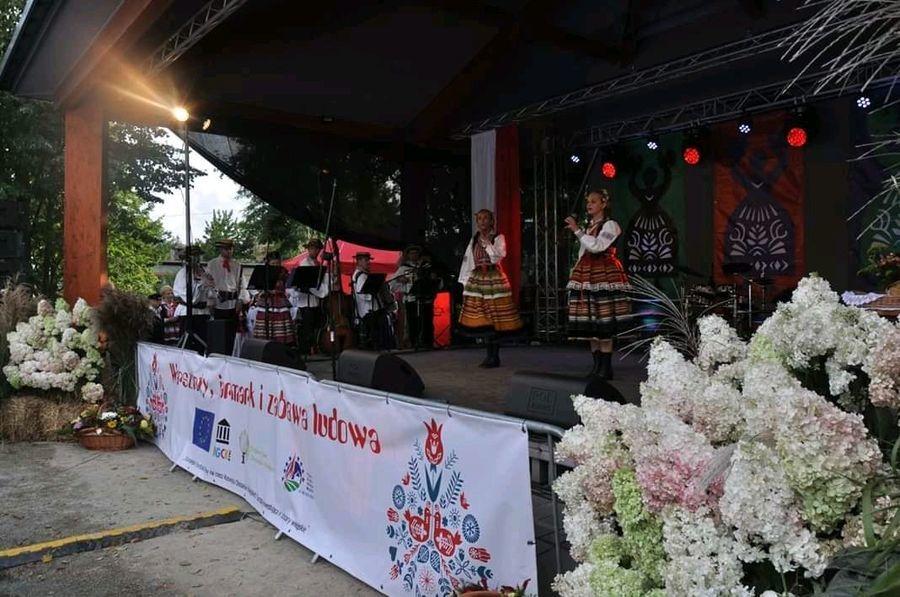 Folkowa niedziela w Rykach