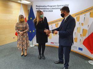 Zdjęcia z podpisania umowy