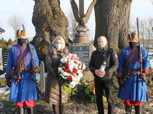 Pani Dorota Szczęsna – Wójt Gminy Spiczyn wraz z Panem Markiem Chudzikiem Dyrektorem Gminnego Centrum Kultury w Ziółkowie i członkowie stowarzyszenia