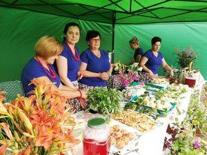 Namiot z smakowitymi potrawami
