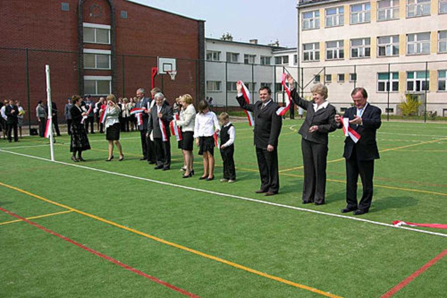2009.04.30 - Uroczyste otwarcie wielofunkcyjnego boiska dla dzieci i młodzieży