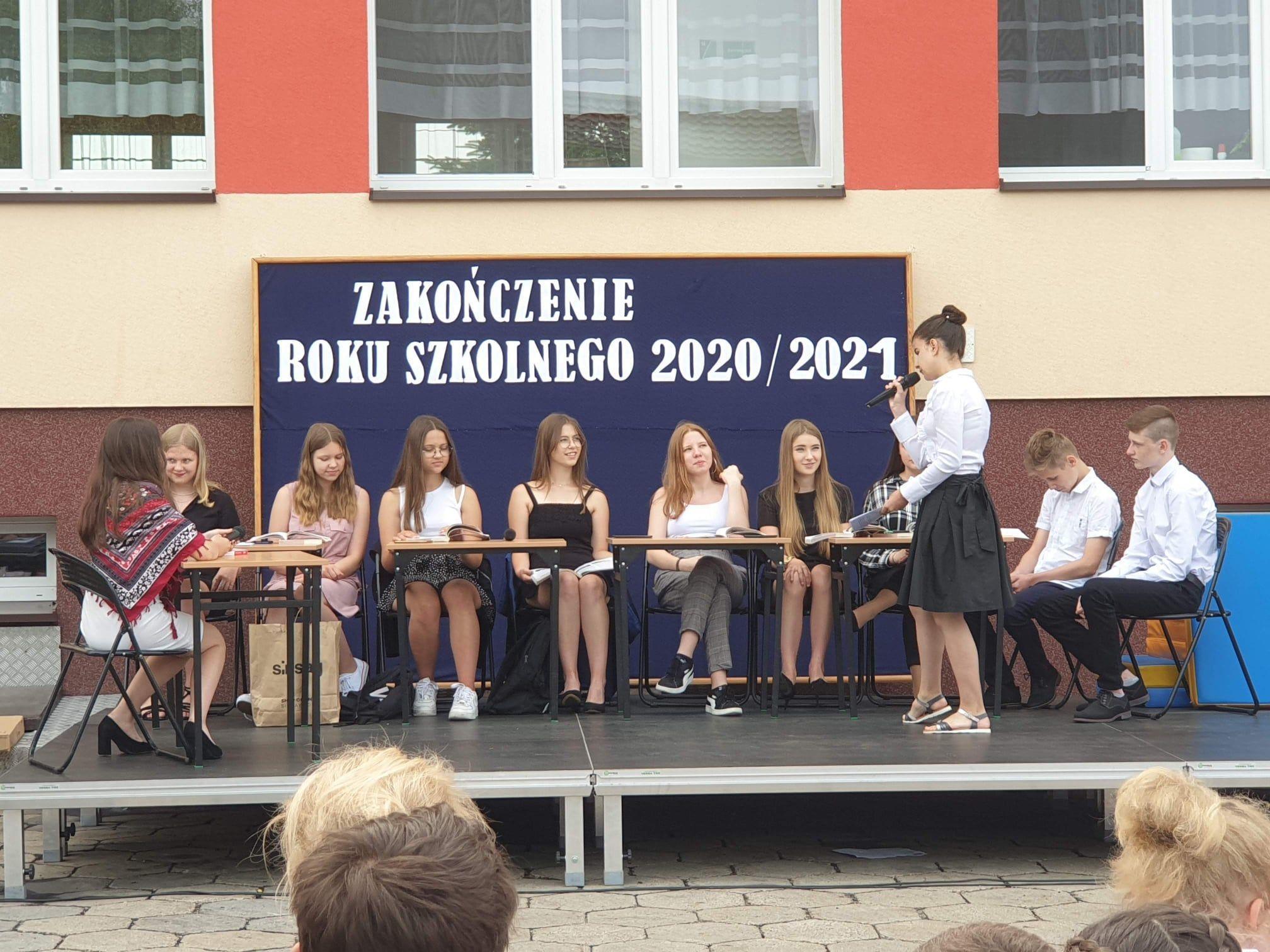 Przedstawienie uczniów