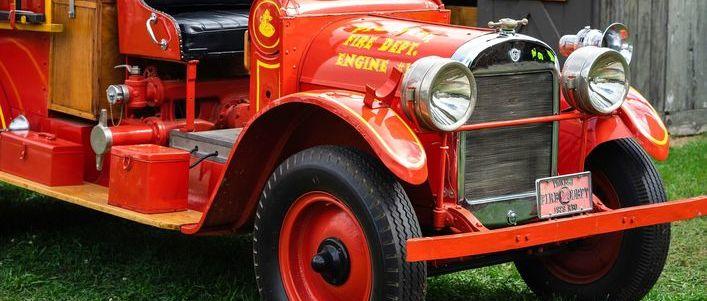 Stary wóż strażacki