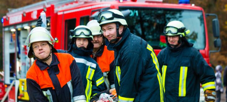 """Ochotnicza Straż Pożarna w Dąbrowie  realizuje grant  """"Bądź bezpieczny i kreatywny- zakup wyposażenia  dla OSP w Dąbrowie"""""""