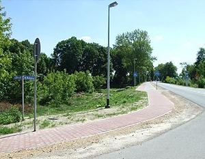 Budowa oświetlenia ścieżki pieszo-rowerowej w pasie drogi wojewódzkiej nr 801 odc. słup nr 26-45 przy ul. Mickiewicza w Dęblinie - II etap.