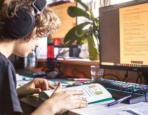 Bezpłatna platforma e-learningowa oraz szerokopasmowy Internet w Szkole Podstawowej nr 4 w Dęblinie
