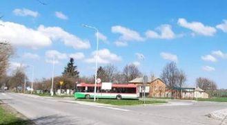 Zdjęcie pętla nawrotowa dla komunikacji miejskiej nr 73 i 16 wraz z BIKE&RIDE w miejscowości Wilczopole
