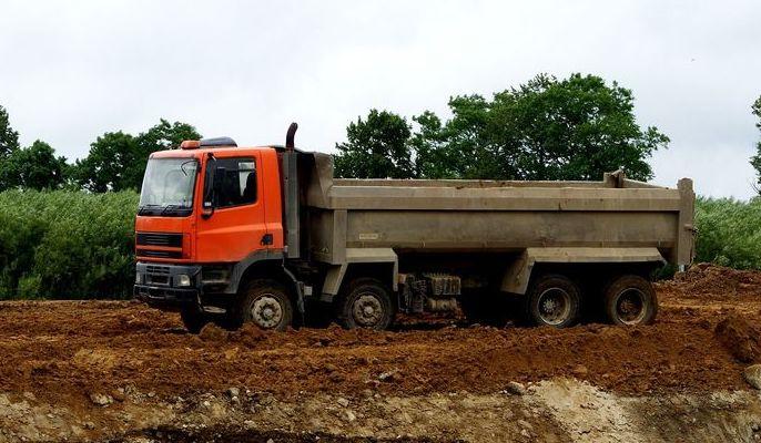 Na zdjęciu samochód ciężarowy
