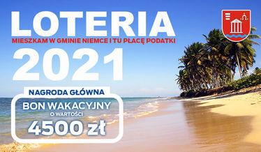 Na zdjęciu plaża w tropikach z napisem Loteria 2021 oraz kwotą nagrody głównej 4500 zł