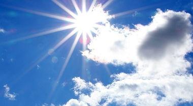 Na zdjęciu słońce na tle nieba