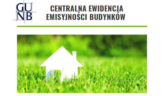 Na zdjęciu domek na trawie i napis centralna ewidencja emisyjności budynków
