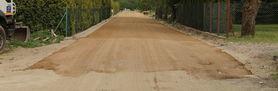 Zdjęcie przedstawia budowę nowej drogi