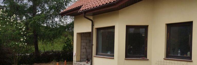 Zdjęcie przedstawia przebudowę budynku mieszkalnego