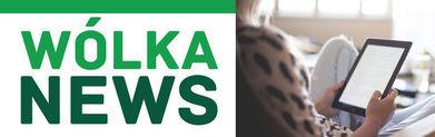 Logo Wólka News i Pani czytająca z tabletu