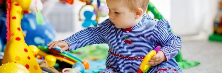 Dziecko bawiące się