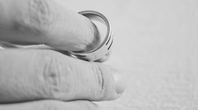 Przyjęcie oświadczenia od małżonka rozwiedzionego o powrocie do nazwiska noszonego przed zawarciem małżeństwa