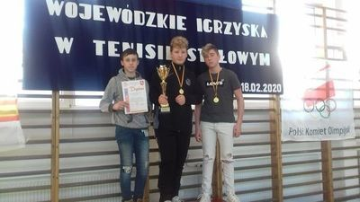 Uczniowie Szkoły Podstawowej w Tuszowie Mistrzami województwa w drużynowym tenisie stołowym