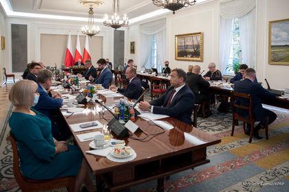 na zdjęciu burmistrz Krasnegostawu wraz z rządem